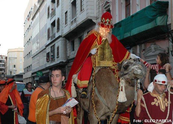 Reyes Magos reparten ilusiones y millones de euros