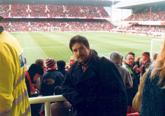 Leo_en_Highbury_Stadium.jpg