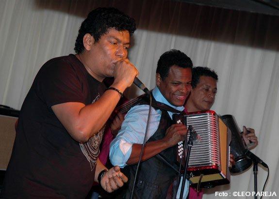 Los-Diablitos-show-03-