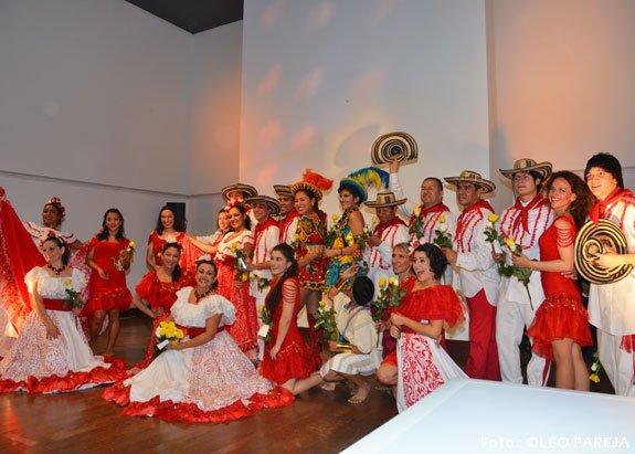 !Apoteósico!: Grupo de Danzas Yuruparí, éxito total