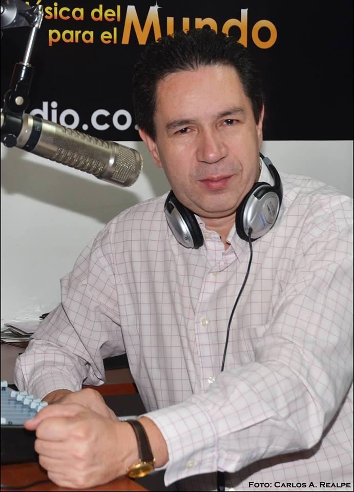 Leo Pareja, Periodista & Fotografo