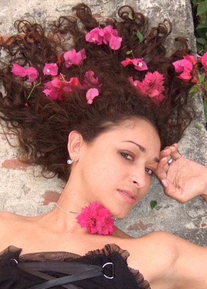 """Angélica Lopez, lanza su primer disco """"Cartagena"""""""