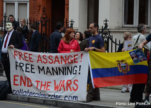 """Julián Assange pide a EEUU que """"deje de espiar al mundo"""""""