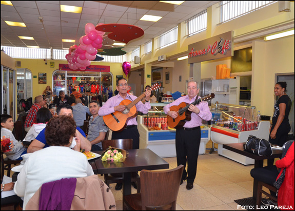 Con música latina celebran Día de La Madre en Londres