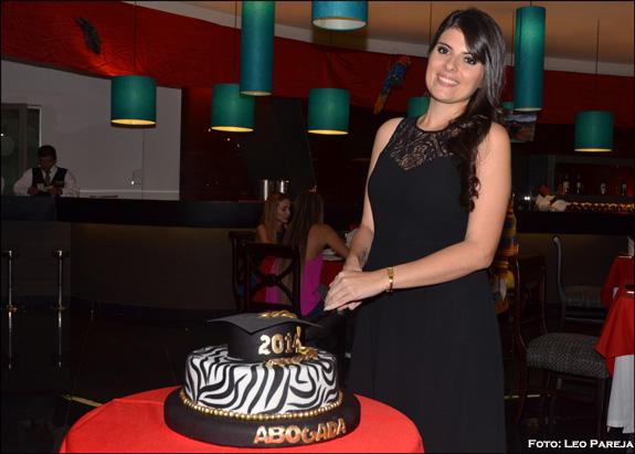 Juliana Quiceno Ospina se gradúa como abogada en Pereira