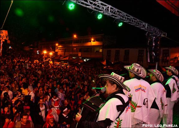 Santuario celebró sus 128 años con artistas y carnaval