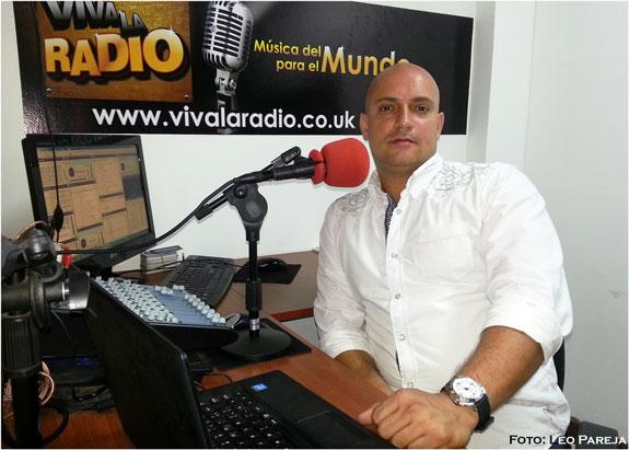 """Julián Moncada con su parranda navideña """"Me echaron la policía"""""""