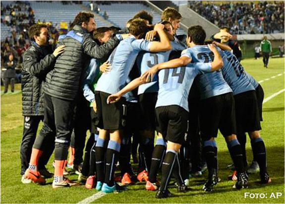 Uruguay, Ecuador y Chile lideran eliminatorias al Mundial de Rusia 2018