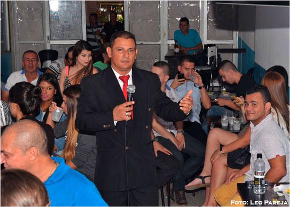 Danny Ledesma actuó en Club de Billares Continental
