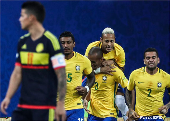 Uruguay golea y retoma liderato en las Eliminatorias Rumbo a Rusia 2018