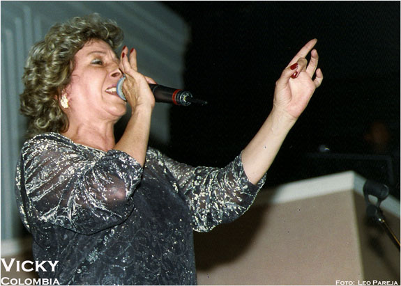 Colombia pierde a una de sus figuras de la música romántica: Vicky